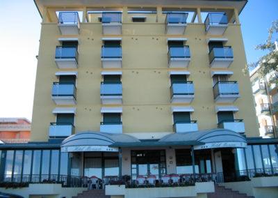 climatisation façade hotel